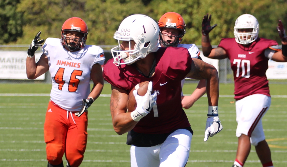 Hastings College Football Wins Back And Forth Battle With Jamestown