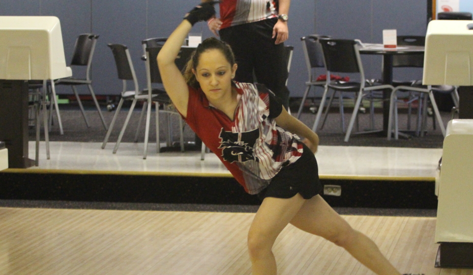 Photo for Women's Bowling Wins, Upsets No. 5 Grand View; Men Take 2nd