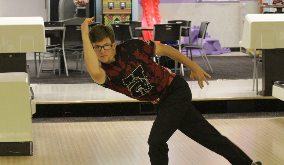 Photo for Men's Bowling Finishes 7th at Midstates
